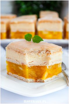 Sernik kinder country - I Love Bake Polish Desserts, Delicious Desserts, Dessert Recipes, Food Experiments, Queso, Cupcake Cakes, Cheesecake, Sweet Tooth, Bakery