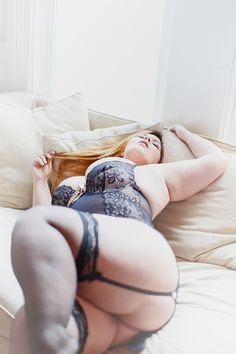 I love stockings and tights/pantyhose, lingerie, chubby/bbw, hot shemales, sexy butts, spread legs...