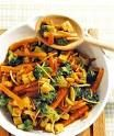 Recipe for broccoli and carrot pan with food and drink. A recipe for 2 people. And other recipes in the categories vegetables, nuts, main course, roast, cooking. Broccoli and carrot pan recipe M E L A N I E . Broccoli And Carrot Recipe, Broccoli Recipes, Vegetable Recipes, Lunch Recipes, Vegetarian Recipes, Cooking Recipes, Healthy Recipes, Recipe For 2 People, Clean Eating
