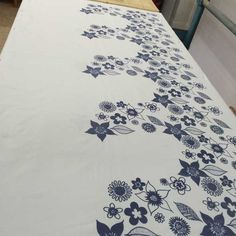 Screen Printing a Repeat Pattern – Handprinted Double Sided Sticky Tape, Marker Pen, Masking Tape, Repeating Patterns, Screen Printing, Prints, Home Decor, Duct Tape, Screen Printing Press