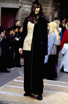 See the complete Maison Margiela Fall 1997 Ready-to-Wear collection.