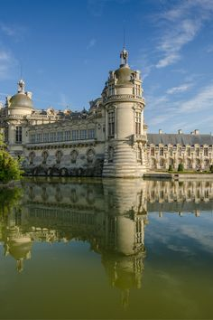 These 11 chateaux are must-see sights. And they're less than an hour outside of ‪Paris‬, which makes for the perfect day trip. Chantilly France, Paris Travel, France Travel, Destination De Reve, French Castles, French Architecture, Ville France, Paris 2015, Versailles