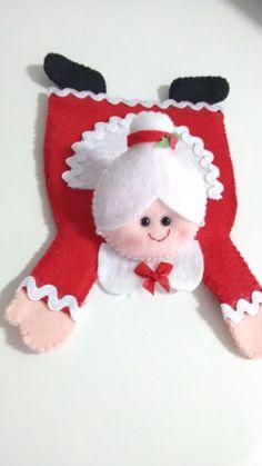 images attach d 1 130 218 Christmas Baby, Christmas Time, Christmas Crafts, Christmas Ornaments, Mug Rug Patterns, Felt Patterns, Felt Christmas Decorations, Christmas Stockings, Felt Coasters