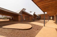 Kéré Architecture · Burkina Institute of Technology · Divisare Francis Kere, Contemporary Architecture, Japan Architecture, School Architecture, Timber House, Wooden House, Landscaping Work, Architect Design, Facades