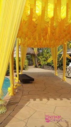 Wedding Ceremony Flowers, Haldi Ceremony, Wedding Mandap, Desi Wedding Decor, Outdoor Wedding Decorations, Flower Decorations, Indian Wedding Pictures, Indian Wedding Stage, Destination Wedding
