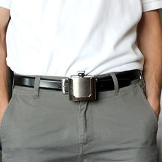 Keep your alcohol close while your on the go with the belt buckle flask. The flask attaches onto your belt like a traditional belt buckle, but it can. Gag Gifts For Men, Easy Gifts, Cool Gifts, Awesome Gifts, Unique Gifts, Cool Flasks, Cool Gadgets, Unique Gadgets, Look Cool