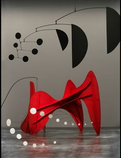 Calder and Abstraction from Avant-Garde to Iconic