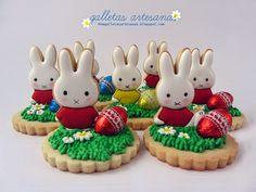 Blog sobre galletas decoradas, cupcakes, tartas, Photoshop y más.  http://nmgalletasartesanas.blogspot.com/