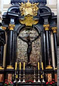 Wawel Cathedral Krakow-Saint of the Day – 11 April – St Stanislaus (1030-1079) also known as St Stanislaus Szczepanowsky – Bishop and Martyr, Preacher, Spiritual Director – Patron of Cracow, Poland, archdiocese of • Cracow, Poland, city of, Plock, Poland, diocese of,  Poland, soldiers in battle, moral order – Attributes – bishop with a sword, bishop being attacked.......