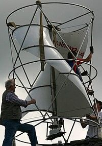 Solar Energy Tips Wind Spinners, Renewable Energy, Solar Energy, Savonius Wind Turbine, Alternative Power Sources, Alternative Energie, Wind Power Generator, Future Energy, Energy Technology