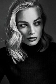 All The Times Margot Robbie Has Aced It On The Red Carpet – Celebrities Female Margot Robbie Pictures, Margot Elise Robbie, Margo Robbie, Actress Margot Robbie, Margot Robbie Harley, Harley Quinn, Pan Am, Musa, Black And White Portraits