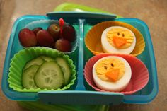 Bento Box Easter Lunch Idea...little chicks (flax seed eyes, carrot beaks)