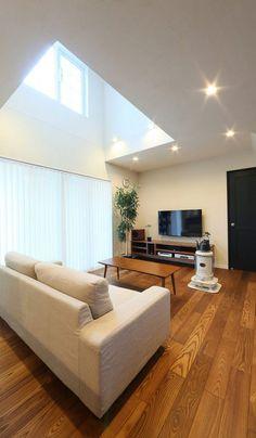 暮らしと趣味、どちらも充実させたカリフォルニアスタイルの家|施工実績|愛知・名古屋の注文住宅はクラシスホーム Dream Home Design, Home Interior Design, Interior Architecture, House Design, 30x40 House Plans, Niche Decor, Apartment Balcony Decorating, Tiny House Living, Japanese House