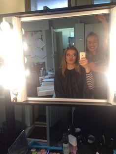 Kaverini Nelli opiskelee meikkaaja-maskeeraajaksi Make Up Forever Academy Helsingissä ja pyysi minua meikkimallikseen kauneusmeikin koetta varten. Täs