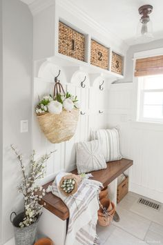 Spring Mudroom Decor These DIY mudroom built-ins are decorated for Spring with a market basket and fresh flowers Decoratingstyles Spring Mudroom De… – Mudroom Entryway Foyer Decorating, Decorating Your Home, Decorating Ideas, Country Home Decorating, Spring Home Decor, Diy Home Decor, Spring Decorations, Decor Room, Home Decor Sale