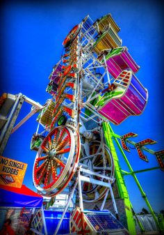 They called it the zipper, I remember riding this at a carnival with my grandma when I was a kid. I was so scared the whole time. Lol