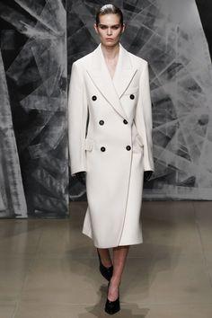 Jil Sander Fall 2016 Ready-to-Wear Fashion Show - Sandra Schmidt