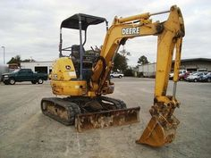 Enjoy this pic of a nice excavator from Deere ! More on http://www.machineryzone.com/used/mini-excavator/1/12677/deere.html