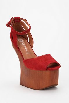 Teehee... these have no heel. I would topple over, but it would be worth it.