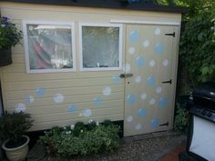 bubble shed ... a work in progress... curtains and other finishing touches to come