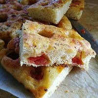 Focaccia pugliese Pizza Recipes, My Recipes, Focaccia Pizza, Pizza Express, Naan, Gnocchi, Buffet, French Toast, Food And Drink