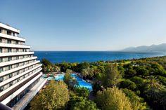 Antalya'ya aşığız ! ♥  Siz de bu şehrin benzersiz manzarasını bizim baktığımız yerden görmek ister misiniz?  We ♥ Antalya ! Do you wanna see this great city's unique view from our eyes? #rixosmoment #rixosview