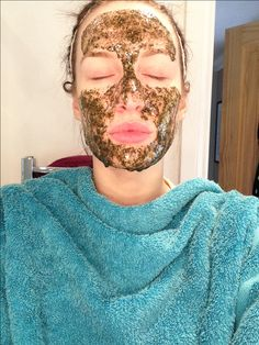 Homemade Natural Face mask for Acne and Redness.  Mix the leaf of 3-4 tea bags in with 2 tablespoons if honey, whilst it's still fresh, run in into a dry clean face and leave for 15-20 minutes. Make sure to pin back your hair first. Also as the mixture heats up, it will drips slightly, so wrapping a towel around your neck. The honey is a natural anti bacteria agent, so kills germs and feed nutrients to the skin, green tea is an antioxidant so makes skin glow. Wash of with comfortable hot…