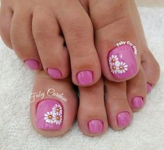 Manicure Pedicures toe nail art designs, toe nail art summer, summer beach toe nails Can Hair Dye Ca Pretty Pedicures, Pretty Toe Nails, Cute Toe Nails, My Nails, Hair And Nails, Beach Toe Nails, Summer Toe Nails, Beach Nail Art, Toe Nail Color