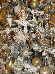 Christmas at Annelle Primos shop