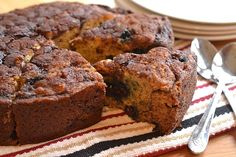 KITCHEN TESTED – Crock Pot Blueberry Cinnamon-Swirl Banana Bread.  Interesting concept. Imagine I could use raspberries instead of blueberries?