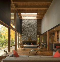 Completed in 2015 in Canada. Images by Nic Lehoux. Located approximately three hours northeast of Toronto, Ontario, this 3,300 sq. ft. retreat is carefully situated along the shores of Contau Lake on...
