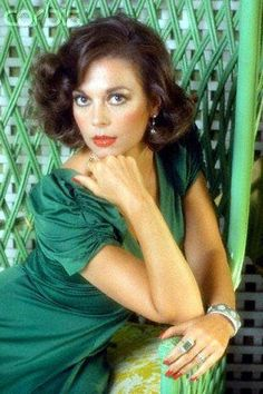 Natalie Wood was an American film and television actress. She was known for her screen roles in Miracle on Street, Splendor in the Gr. Hollywood Stars, Old Hollywood, Hollywood Actor, Hollywood Glamour, Hollywood Actresses, Classic Hollywood, 50s Actresses, Natalie Wood, Robert Redford