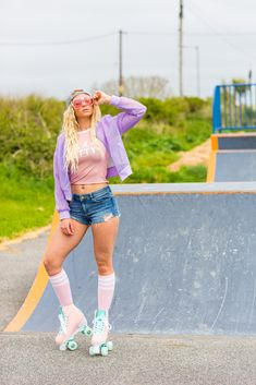 Colourful content creation for Rio Roller. Product photography & styling by Marianne Taylor. Skate Style Girl, Skater Girl Style, Skate Girl, Retro Roller Skates, Roller Skate Shoes, Lifestyle Photography, Fashion Photography, Product Photography, Photography Ideas