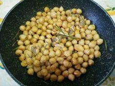 #ceci saltati in  #padella  #gialloblogs  #giallozafferano  #ricette  #ricettefacili  #ricettadelgiorno  #cucina  #cucinaitaliana  #food #foodblogger  #foodphotography  #italianfood  #cooking  #contorni