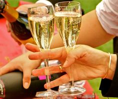 Ackerman fine sparkling wine tastings – moments of conviviality and sharing.
