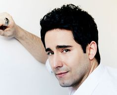 John Lloyd Young stars as Frankie Valli in Jersey Boys. (Photo: Andrew Stiles)