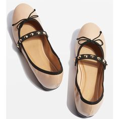 Topshop Veil Studded Ballet Shoes (160 MXN) ❤ liked on Polyvore featuring shoes, flats, nude, nude strappy shoes, studded ballet flats, nude ballet shoes, ballet pumps and nude shoes