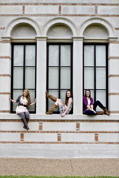 2 by mar6love, via Flickr cute idea for senior girl group Looks like it might be windows at their school. Cute.