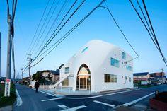 MAD Architects ha completado su primer proyecto en Japón, el jardín de infantes…