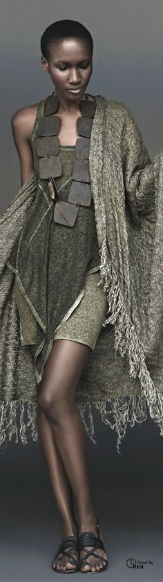 Donna Karan ● Urban Zen love that cool necklace. Perf spring outfit