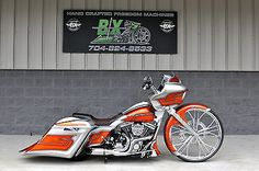 - Harley-Davidson : Touring 2015 road glide custom 1 of a kind 30 wheel best of everything hurry. motorcycles-scooters: Harley-Davidson : Touring 2015 road glide custom 1 of a kind 30 wheel best of everything hurry Custom Street Glide, Road Glide Custom, Custom Street Bikes, Custom Bikes, Custom Cycles, Custom Bobber, Custom Baggers, Custom Motorcycles, Custom Harleys