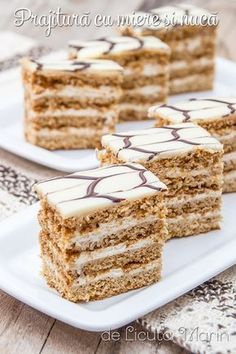 From my kitchen: cake with honey and nuts Sweets Recipes, Baking Recipes, Cake Recipes, Cupcakes, Cupcake Cakes, Delicious Deserts, Almond Cookies, Cafe Food, Savoury Cake
