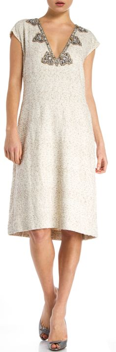 """Oscar De La Renta Cream/Silver Tinsel Embellished Dress Beautiful embellished Oscar De La Renta dress! This dress is the perfect go-to for a special occasion or even holiday party! A very elegant look that will have heads turning! V-neck Back zip closure Bust 34"""" Waist 31"""" Hips 43"""" Length 41"""""""