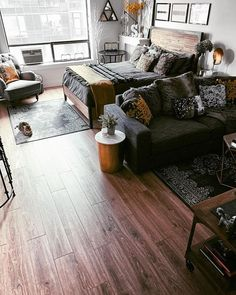 Looking for studio apartment decorating inspiration and studio apartment layout . - Looking for studio apartment decorating inspiration and studio apartment layout ideas? Apartment Room, Studio Decor, Home, Studio Living, Apartment Layout, Studio Apartment Decorating, Apartment Decor Inspiration, Apartment Design, Small Apartment Living