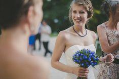 Collier et bouquet bleus