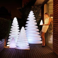 Unusual Christmas Trees from Vondom. Made of polyethylene resin by rotational moulding. 100% Recyclable. Item suitable for indoor and outdoor use. Available in different finishes