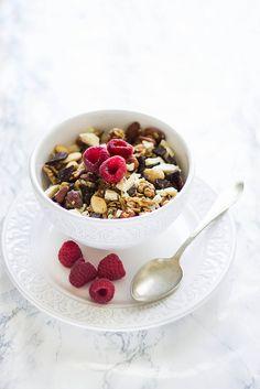 Chocolate Vanilla Granola | Mela e Cannella