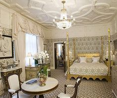 Suite of the week: The Tudor Suite at the Milestone Hotel, London, UK http://www.aluxurytravelblog.com/2013/04/02/suite-of-the-week-the-tudor-suite-at-the-milestone-hotel-london-uk/