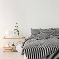 Marimekko's Tasaraita duvet cover and pillowcases, black-white