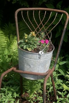 Great rusty chair.....